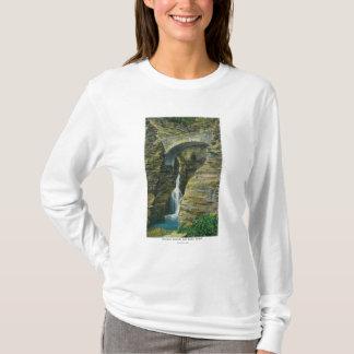 T-shirt Vue de pont de cascade et de sentinelle d'entrée