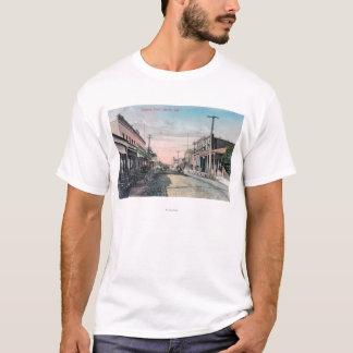 T-shirt Vue de section d'affaires avec des chariots de
