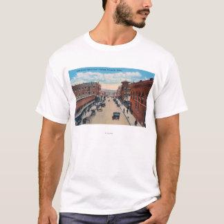 T-shirt Vue de viaduc de rue centrale est