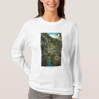 T-shirt Vue du pont de sentinelle et du tunnel supérieur