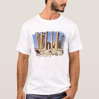 T-shirt Vue du temple d'Artémis, ANNONCE c.386 construite