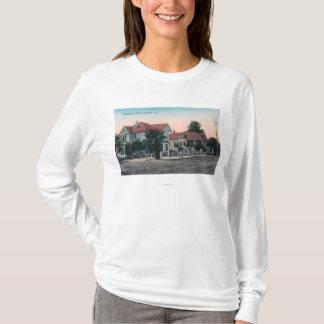T-shirt Vue d'une rue de résidence, enfant sur le vélo