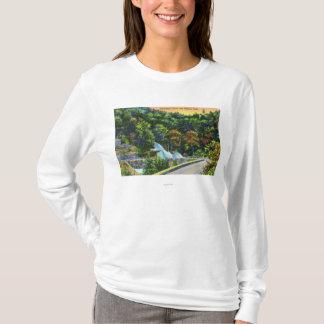 T-shirt Vue en fer à cheval de courbe des automnes de