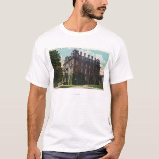 T-shirt Vue extérieure de Judd Hall, université wesleyenne