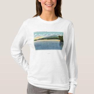 T-shirt Vue moyenne de lac Saranac d'esperluète de bâti