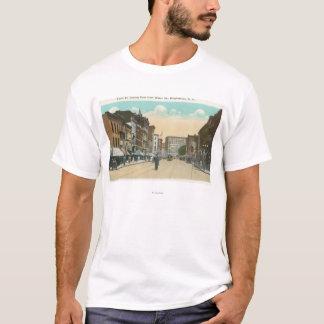 T-shirt Vue orientale de rue de cour de rue de l'eau