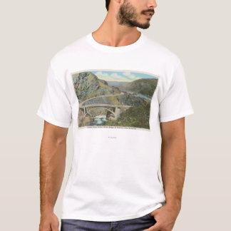 T-shirt Wenatchee, WAView du pont de rivière de Chelan