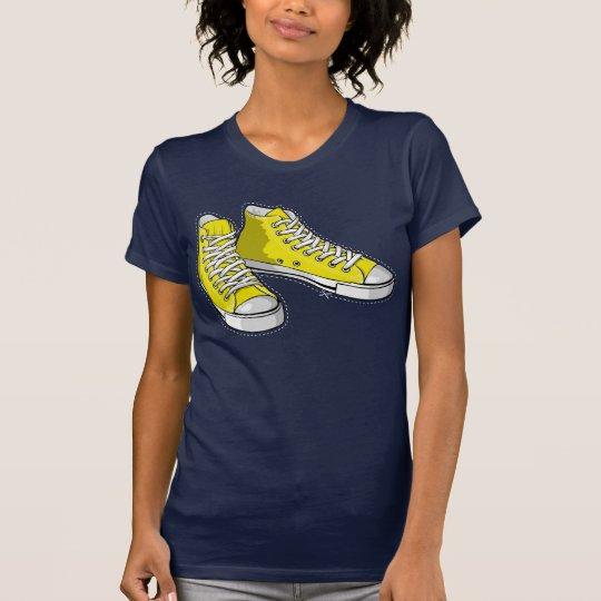T-shirt Yellow sneakers