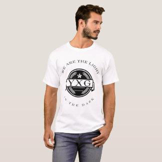 T-shirt YXG-lumière dans le logo foncé