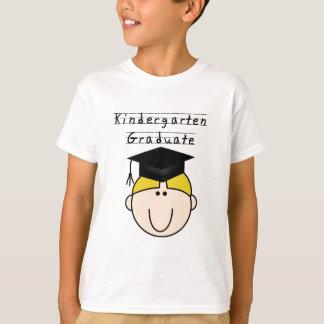 T-shirts blonds de diplômé de jardin d'enfants de