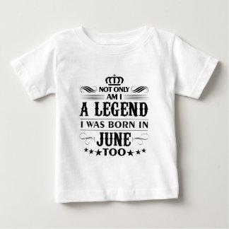 T-shirts de légendes de mois de juin