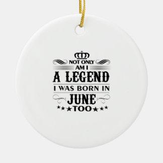 T-shirts de légendes de mois de juin ornement rond en céramique