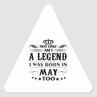 T-shirts de légendes de mois de mai sticker triangulaire