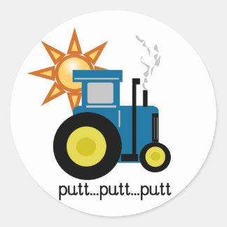 T-shirts et cadeaux bleus de tracteur de putt de sticker rond