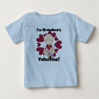 T-shirts et cadeaux de Valentine de la grand-maman