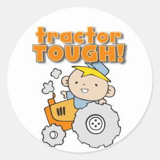 T-shirts et cadeaux durs de tracteur sticker rond