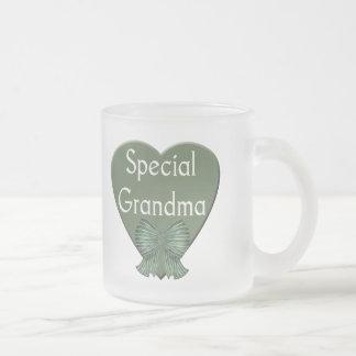 T-shirts et cadeaux spéciaux de grand-maman tasse givré