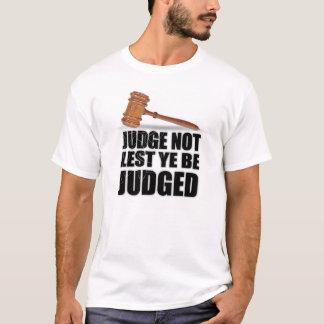 """T-shirts et habillement de """"juge pas"""""""