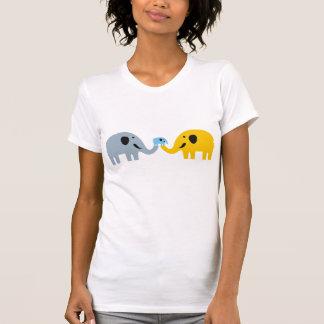 T-shirts mignon de famille d'éléphant