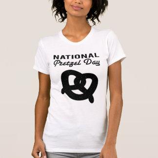 T-shirts (noir) national de jour de bretzel