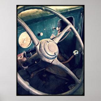 Tableau de bord classique antique de la voiture posters