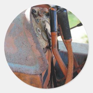 Tableau de bord de vieux tracteur à chenilles sticker rond