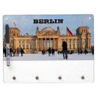 Tableau Effaçable À Sec Avec Porte-clés Milou Reichstag_001.02.2 (Reichstag im Schnee)