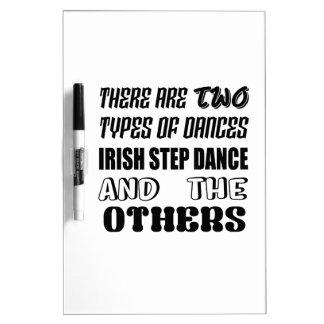 Tableau Effaçable À Sec Il y a deux types d'étape et d'othe irlandais de