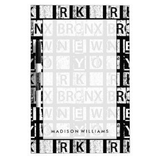 Tableau Effaçable À Sec Typographie grunge de Bronx New York  