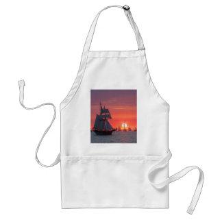 Tablier Grand voilier marchand dans le coucher du soleil