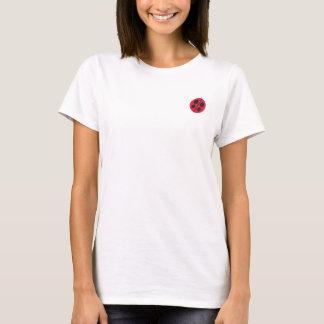 Taches et coccinelles, le T-shirt bordé des femmes