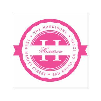 Tampon Auto-encreur Adresse de retour de monogramme rond fuchsia de