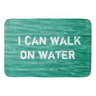 """Tapis de bain avec le message : """"Je peux marcher"""