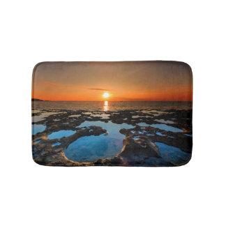 Tapis De Bain Coucher du soleil tropical sur la plage de cratère