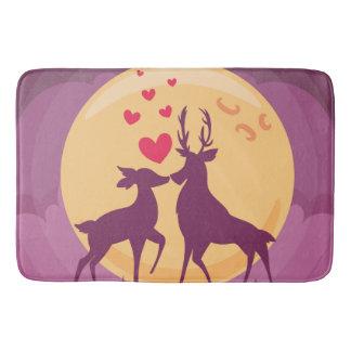 Tapis De Bain Scène d'amour romantique de cerfs communs