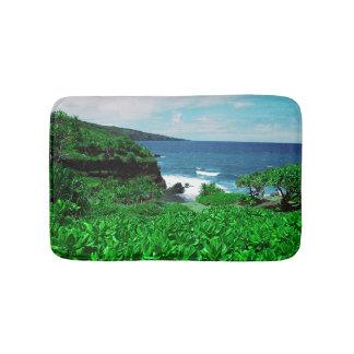 Tapis De Bain Shoreline tropical hawaïen avec des plantes