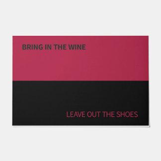 Tapis de porte pour des amateurs de vin et des