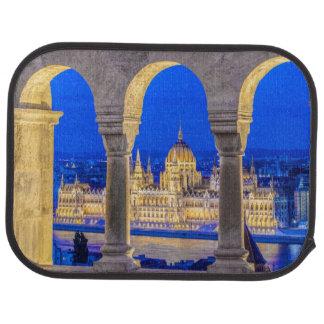 Tapis De Sol Bâtiment hongrois du Parlement au crépuscule