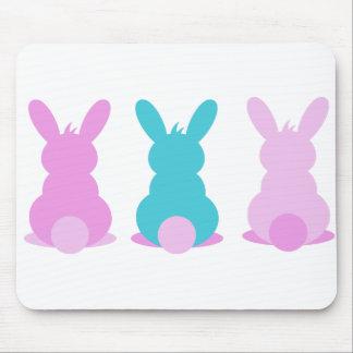 Tapis de souris adorable de lapin de Pâques dans