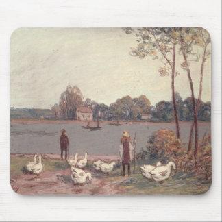 Tapis De Souris Alfred Sisley | sur les banques du Loing