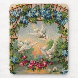 Tapis De Souris Anniversaire de roses de colombes