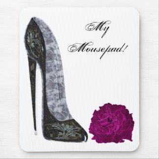 Tapis De Souris Art de chaussure stylet noire et de rose rouge