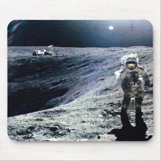 Tapis De Souris Astronaute d'Apollo marchant sur la lune et le