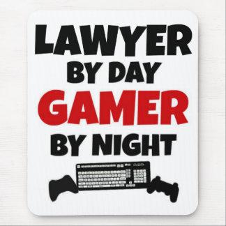 Tapis De Souris Avocat par le Gamer de jour par nuit