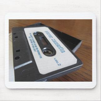 Tapis De Souris Bande vintage de cassette audio sur la table en