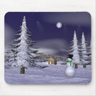 Tapis De Souris Bonhomme de neige gentil pendant la nuit