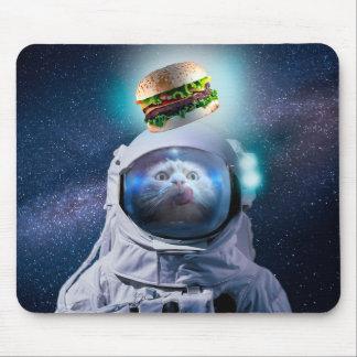 Tapis De Souris Chat d'astronaute regardant l'hamburger