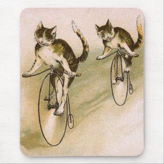 Tapis De Souris Chats vintages sur des vélos