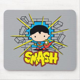 Tapis De Souris Chibi Superman heurtant par le mur de briques
