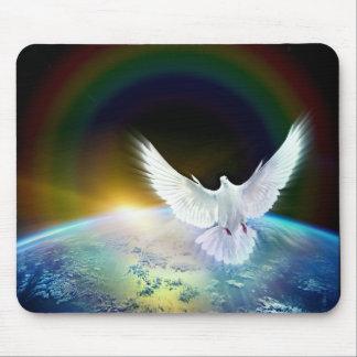 Tapis De Souris Colombe de Saint-Esprit de paix au-dessus de la